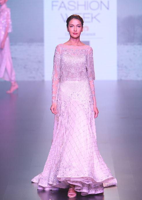 Moderno Dress Engagement Party Ideas Ornamento Elaboración ...