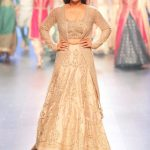 indian-engagement-party-dresses-lehenga-sonam-paras-modi-showstopper-jacket-outfit-2016-designer