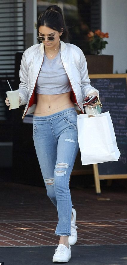 Kendall Jenner Street Style Summer 2016 Crop Ripped Jeans