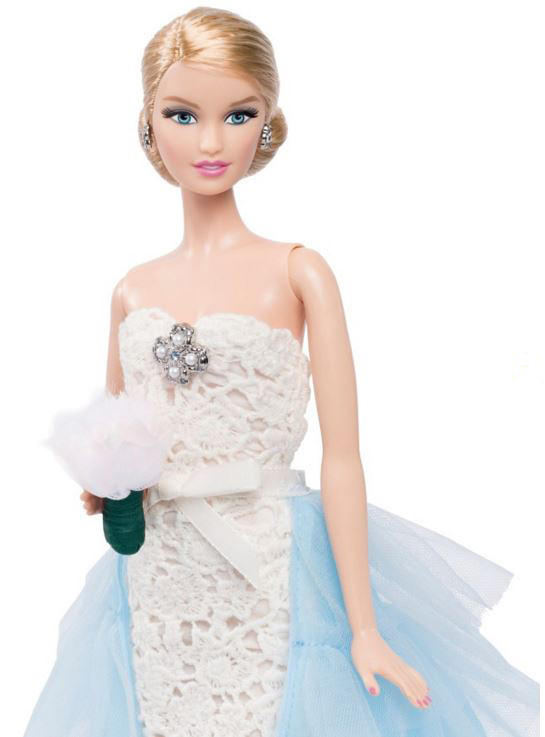 oscar-de-la-renta-bridal-barbie-white-blue-dress-beautiful-designer-gown-2016-limited-collectible