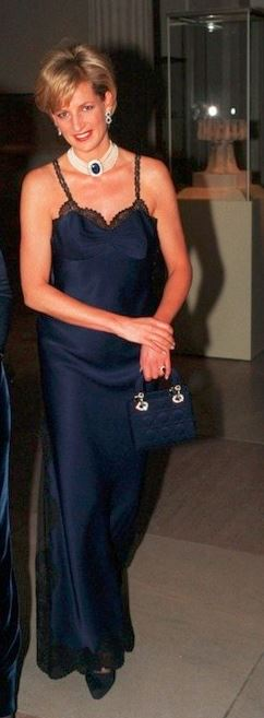 princess-diana-dior-slip-dress-blue-fashion-retro-classic-dresses-style-necklace