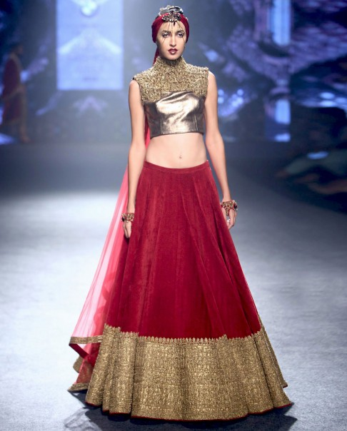 red-bridal-lehenga-designs-silk-crop-top-choli-velvet-lehengas-designer-2016-latest-shantanu nikhil