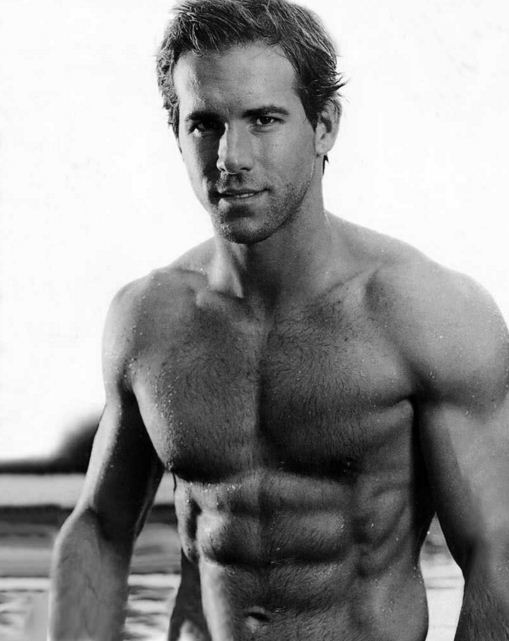 ryan-reynolds-best-hollyood-actor-six-pack-6pack-topless-hot-male-sexy-hottest-abs