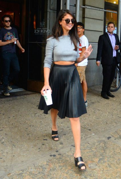 selena-gomez-street-style-crop-top-navy-skirt-sunglasses
