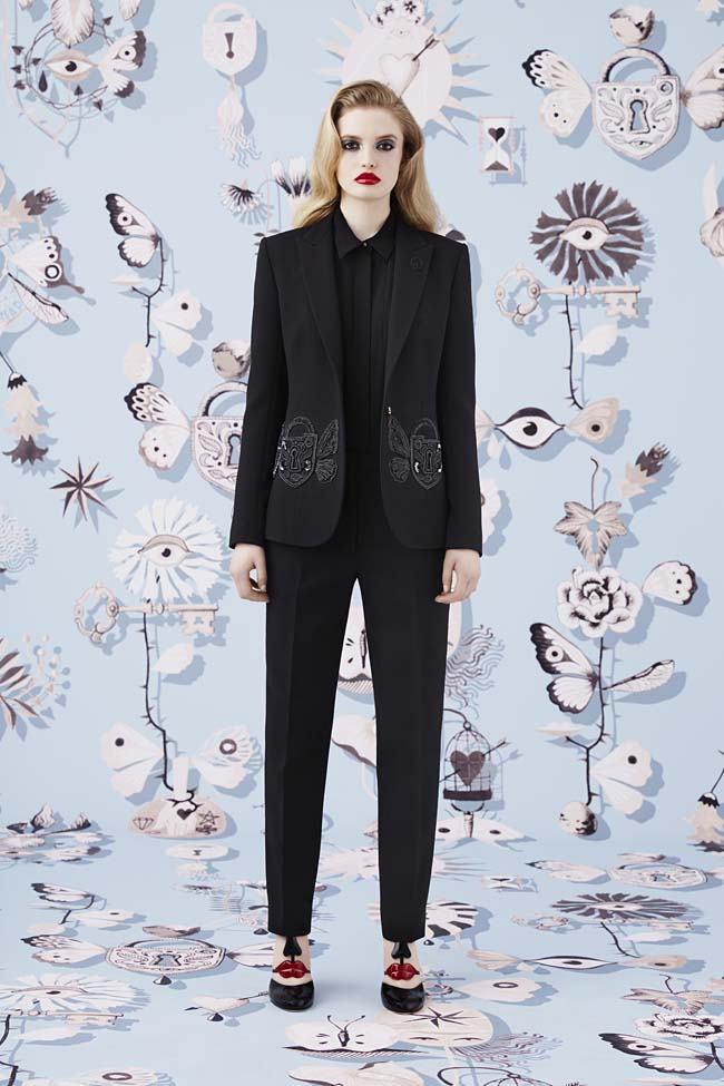 Schiaparelli_Fall-2016_winter-2017-outfit-look-collection-black (1)-womens-suit