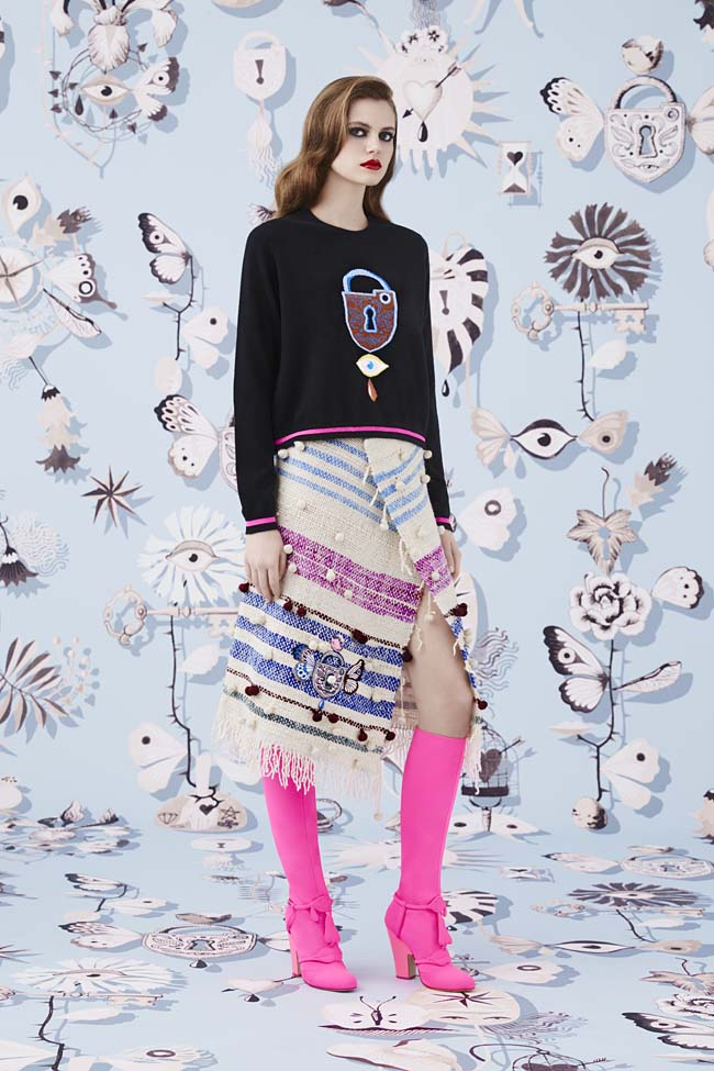 Schiaparelli_Fall-2016_winter-2017-outfit-look-collection-black (15)-pink-boots-asymmetric-skirt