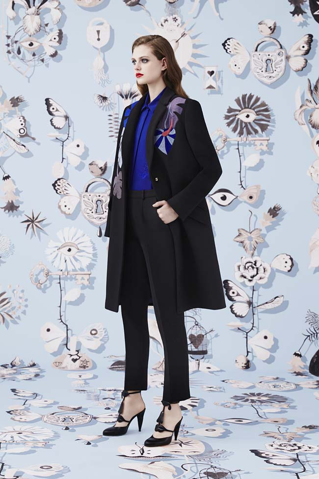 Schiaparelli_Fall-2016_winter-2017-outfit-look-collection-black (18)-overcoat-fit-pants