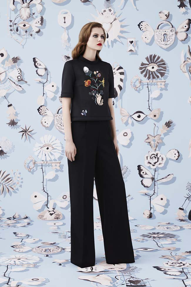 Schiaparelli_Fall-2016_winter-2017-outfit-look-collection-black (6)-flared-pants