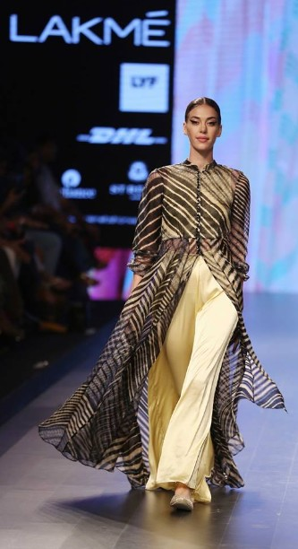 best-indian-suit-trends-designs-anupama-bose-2016-slit-top-palazzo