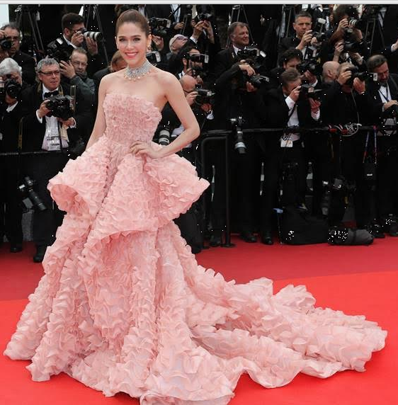 cannes-film-festival-2016-celeb-dress-Chompoo-Araya-A-Hargate-Ralph-Russo-Café-Society-premiere-blush-pink-silk-organza-strapless-ball-gown-summer-Spring-2016-couture