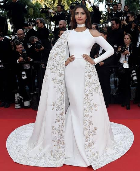 cannes-film-festival-2016-celeb-dress-Sonam-Kapoor-custom-Ralph-Russo-gown-white-silk-crepe-off-the-shoulder-gown-summer-spring-2016-couture