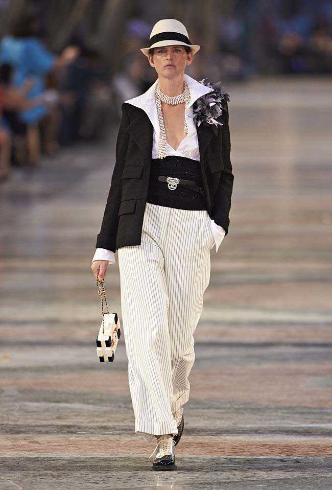 chanel-cruise-collection-fashion-show-2016-16-colorful-dresses-outfit (1)mens-inspired