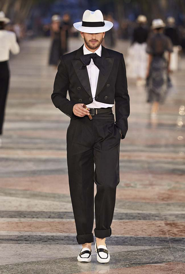 chanel-cruise-collection-fashion-show-2016-16-colorful-dresses-outfit (6)-men