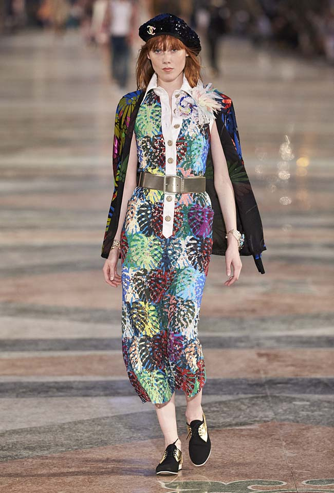 chanel-cruise-collection-fashion-show-2016-16-colorful-dresses-outfit (60)