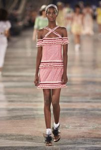 chanel-cruise-collection-fashion-show-2016-16-colorful-dresses-outfit (80)-pink