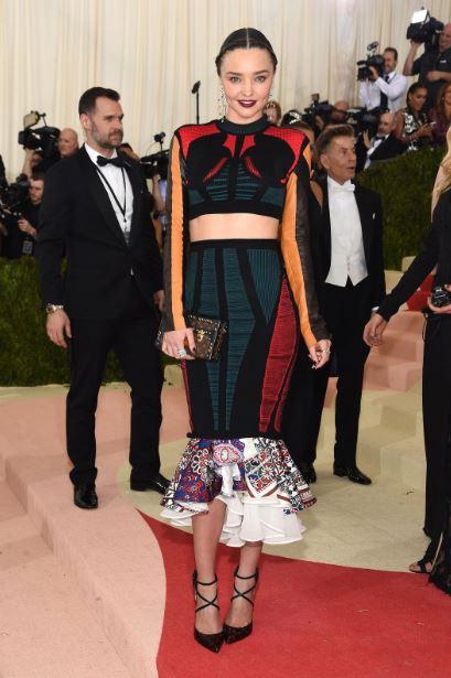 met-gala-2016-best-dresses-top-celebrity-fashion-dress-Miranda-kerr-make-up-red-carpet