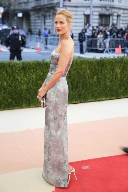 met-gala-2016-best-dresses-top-celebrity-fashion-dress-carolyn-murphy-red-carpet
