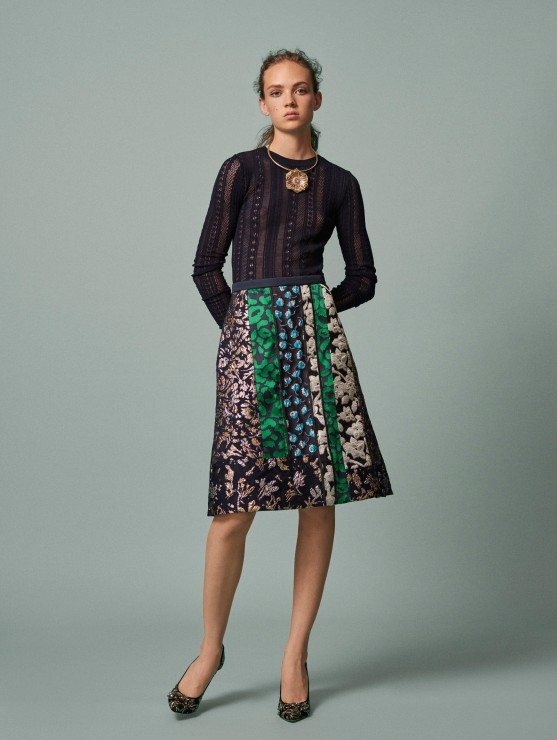 oscar-de-la-renta-resort-2016-fashion-collection-dress-outfit (21)-green-floral-stripe-black