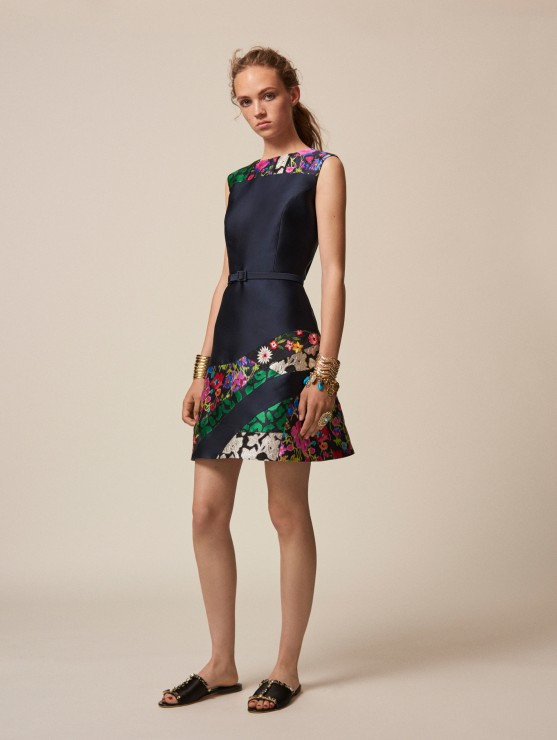 oscar-de-la-renta-resort-2016-fashion-collection-dress-outfit (24)-navy-floral-mini