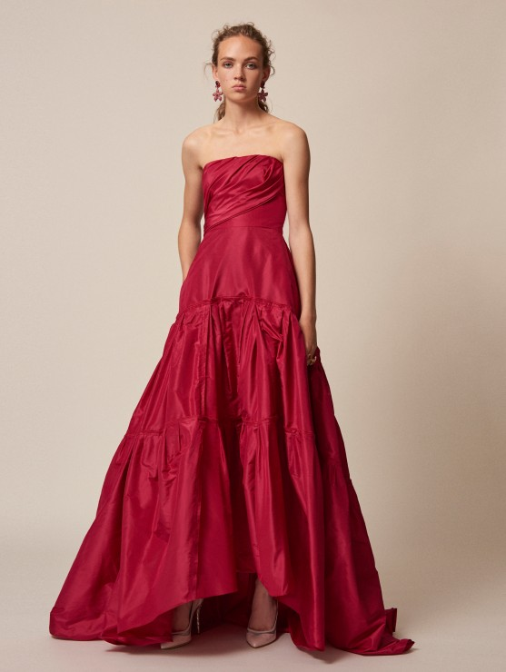 oscar-de-la-renta-resort-2016-fashion-collection-dress-outfit (30)-best-red-gown