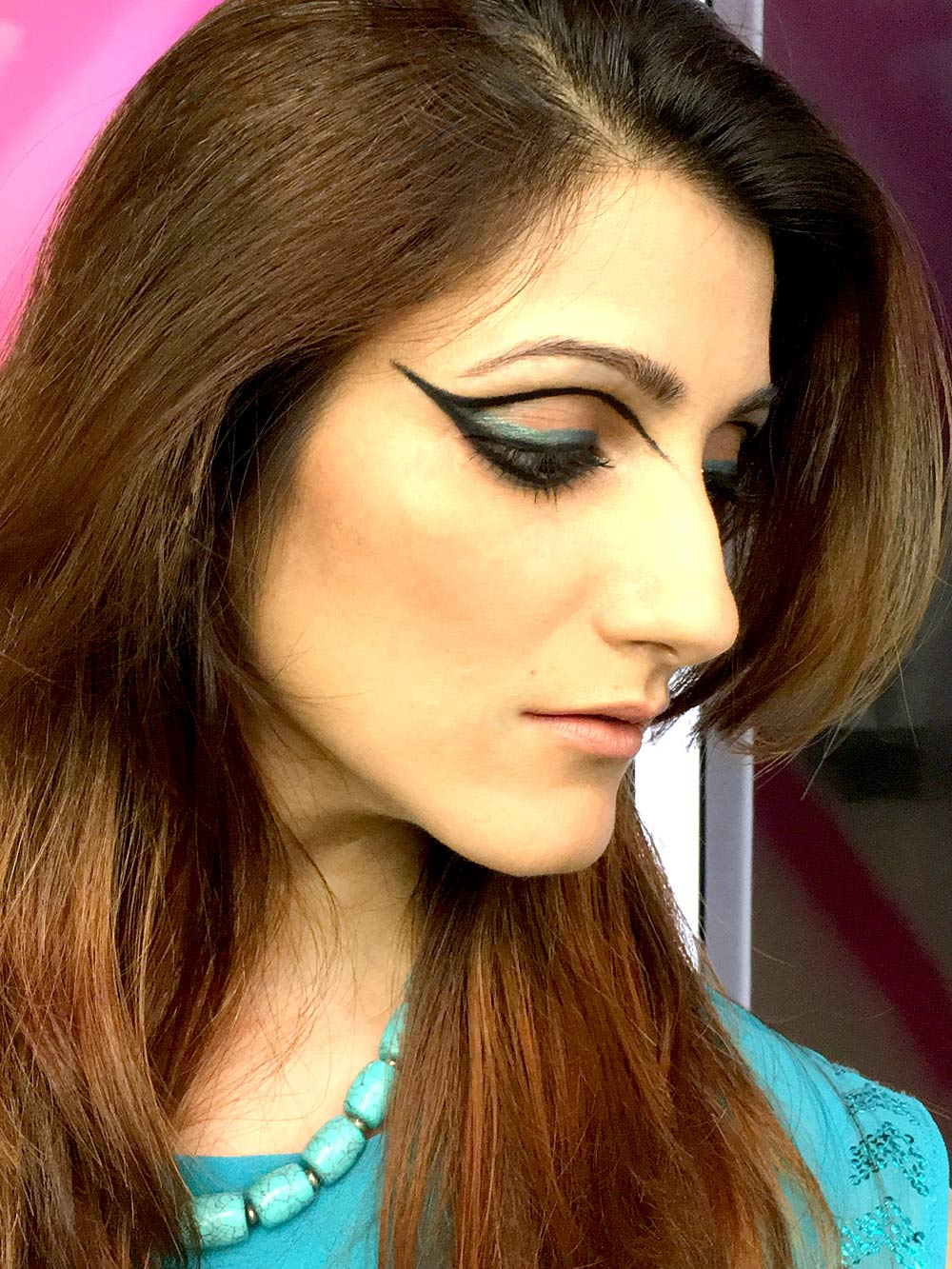 shilpa-ahuja-mac-collab-eye-makeup-extended-wing-eyeliner-black-twist-kajal-fashion-blogger