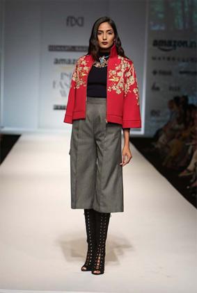 Hemant-nandita-indian-fashion-autumn-winter-aifw-2016-red-jacket