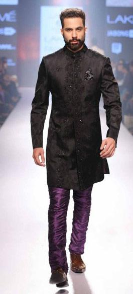 Top-black-wedding-sherwani-for-groom-designer-Raghavendra-rathore-mens-outfit-2016