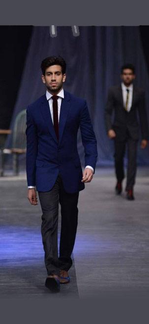 Top-indian-engagement-suit-for-groom-designer-Manish--Malhothra-navy-blue-2016