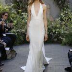 Top-trends-bridal-gowns-plunging-v-white-color-designer-monique-lhuillier-2016