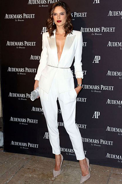 alessandra-ambrosio-tux-formal-look-outfit-womens-white-tuxedo-celebrity