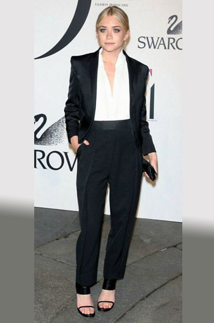 ashley-olsen-tux-formal-look-outfit-loose-pants-how-to-wear-tuxedo-ladies