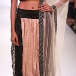 best-indian-suit-trends-designs-payal-singhal-crop-top-aladin-pant-party-wear-2016