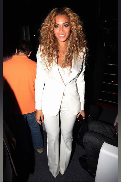 beyonce-tux-white-formal-look-outfit-womens-tuxedo-ladies-how-to