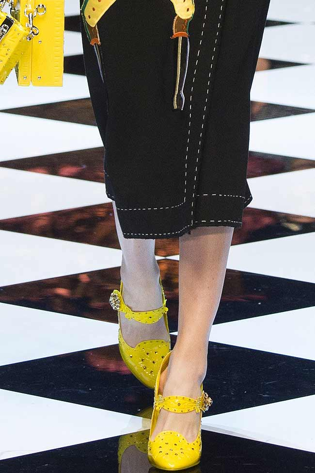 bright-dolce-gabbana-yellow-shoes-fw16-fall-winter-2016-latest-fashion-trends