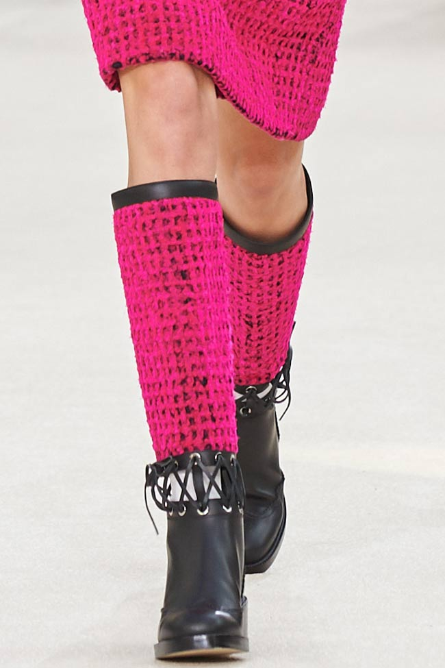 chanel-bright-pink-rising-boots-shoes-fw16-fall-winter-2016-latest-fashion-trends