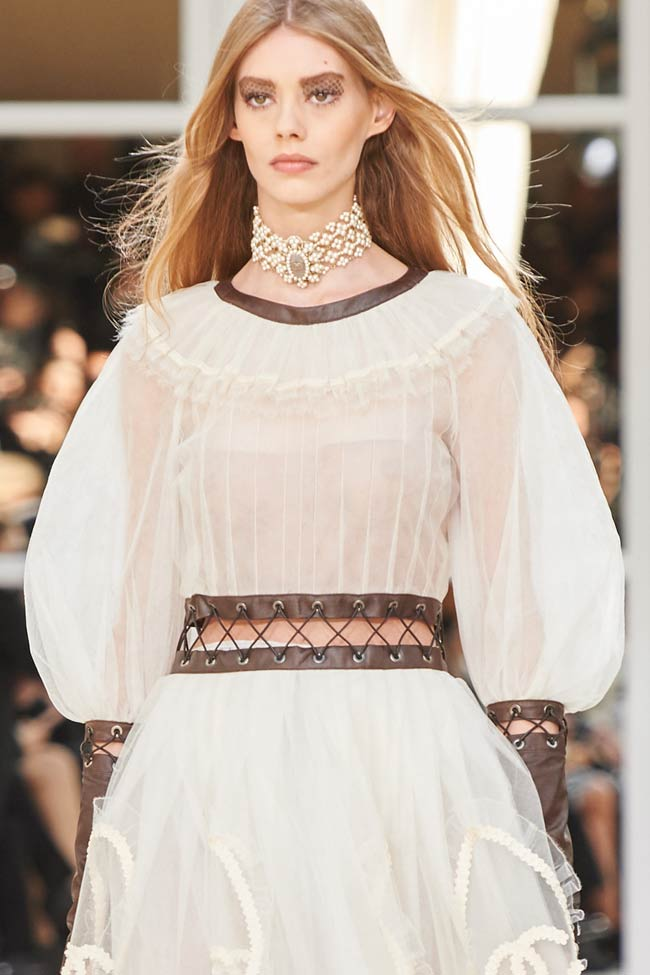 chanel-dress-puffed-sleeves-fw16-fall-winter-2016-latest-fashion-trends