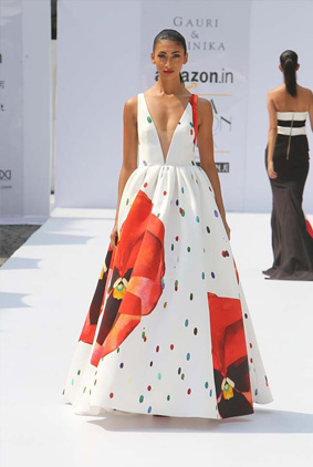 gauri-nainika-amazon-fasion-week-aw16-white-gown-floral-design