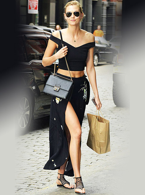 how-to-wear-off-shoulder-crop-top-casual-karlie-kloss