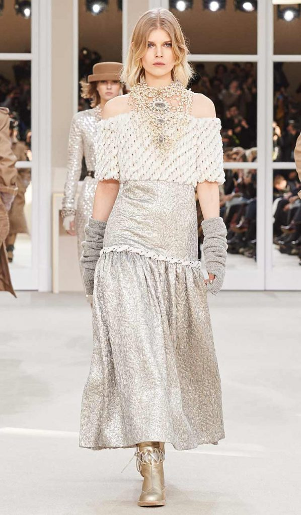 latest-off-shoulder-top-with-skirt-grey-chanel-fw16-fall-winter-2016
