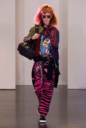 marc-jacobs-collection-2016-17-dree-outfit-colorful-trendy-shades-pink-bottom