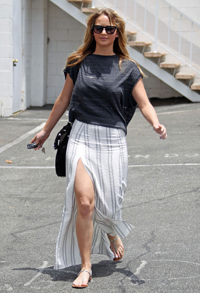 maxi-skirt-how-to-wear-advice-jennifer-lawrence-side-slit-