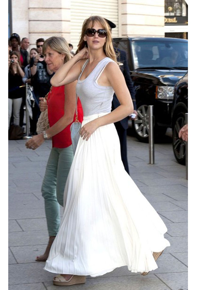 White long skirt and top | Global trend skirt blog