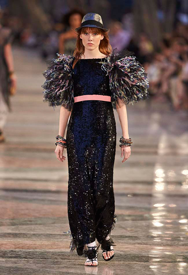 maxi-skirt-party-wear-black-shimmery-chanel-collection-rtw-monochromatic
