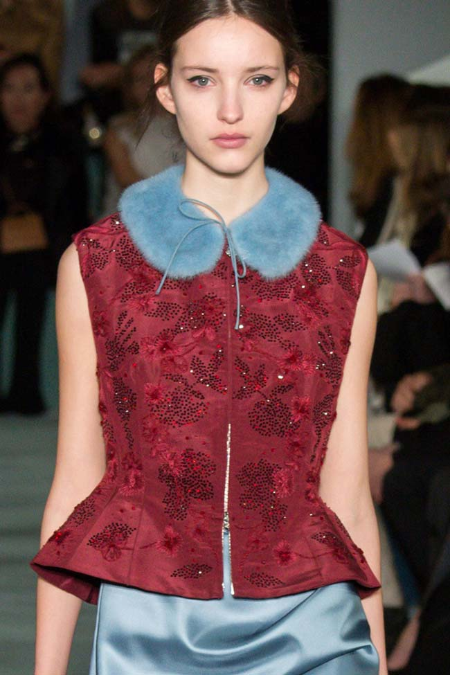 oscar-de-la-renta-fur-collar-dress-blue-fw16-fall-winter-2016-latest-fashion-trends