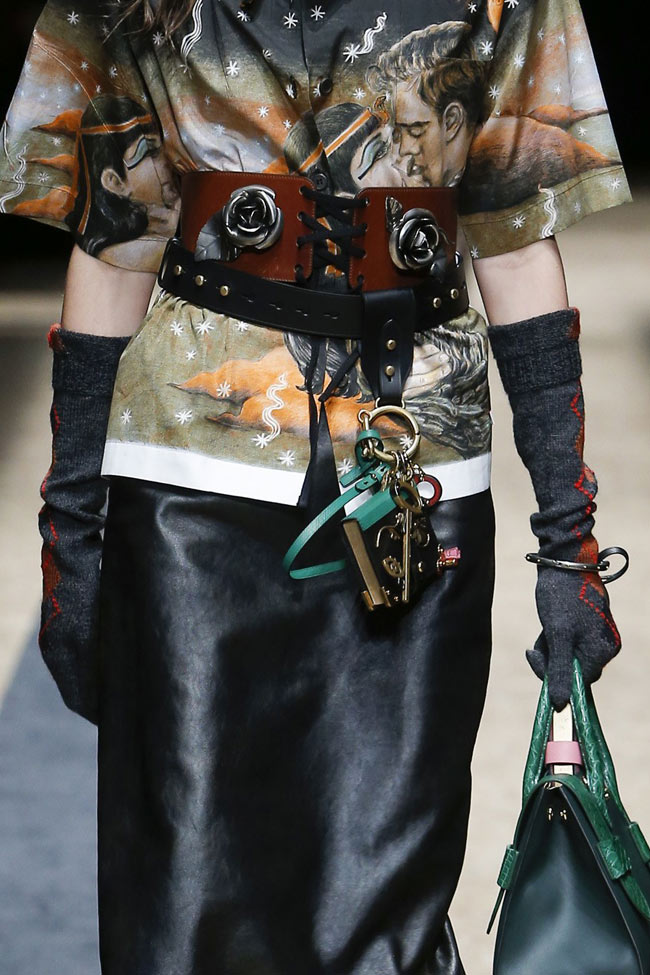 prada-long-leather-gloves-fw16-fall-winter-2016-latest-fashion-trends