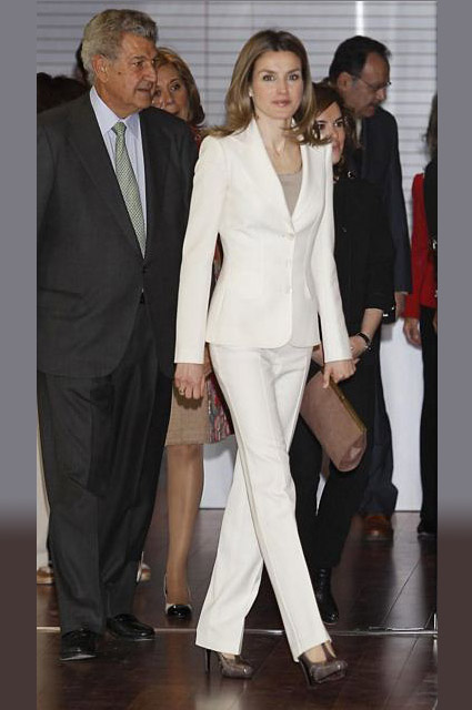 queen-pincess-letizia-white-tux-tuxedo-royalty