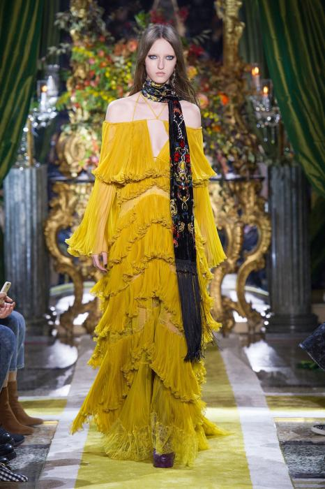 roberto-cavalli-fall-2016-winter-2017-latest-off-shoulder-dress-gold-yellow-layered-ruffled