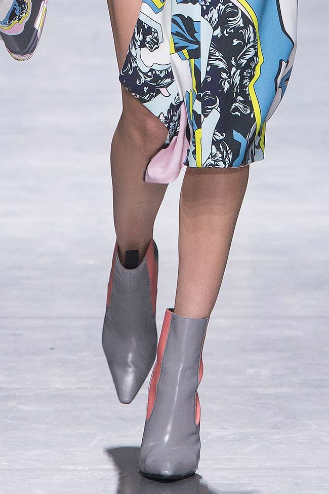 versace-pointed-shoes--toe-booties-fw16-fall-winter-2016-latest-fashion-trends