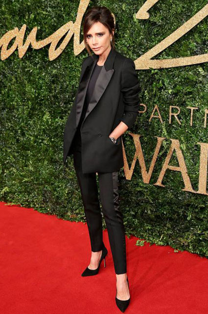 victoria-beckham-tuxedo-formal-look-outfit-party-look-classic