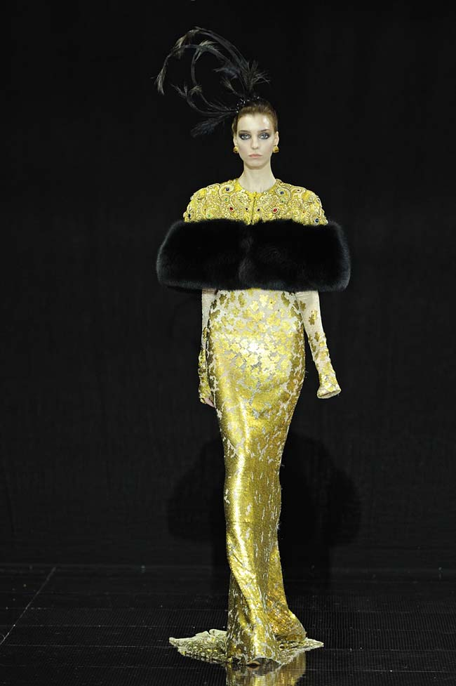 31-guo-pei-fw16-haute-couture-gold-sequin-mermaid-dress-fall-winter-2016-17